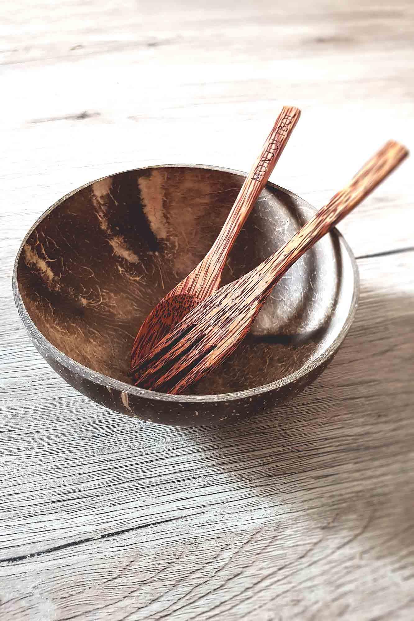 fourchette, cuillère et bol en coco de la marque monjolibol