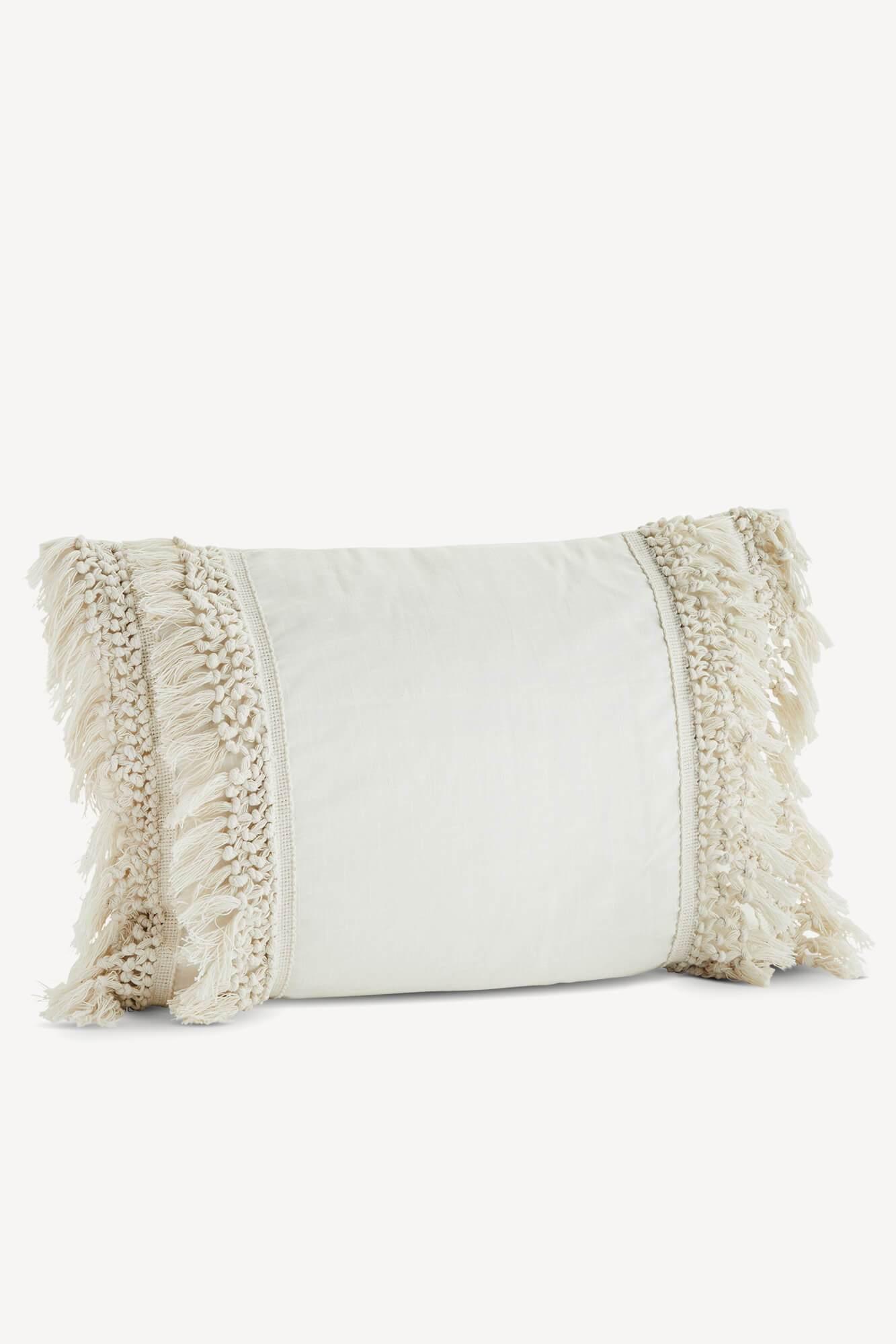 housse de coussin blanc cassé en coton de la marque madam stoltz