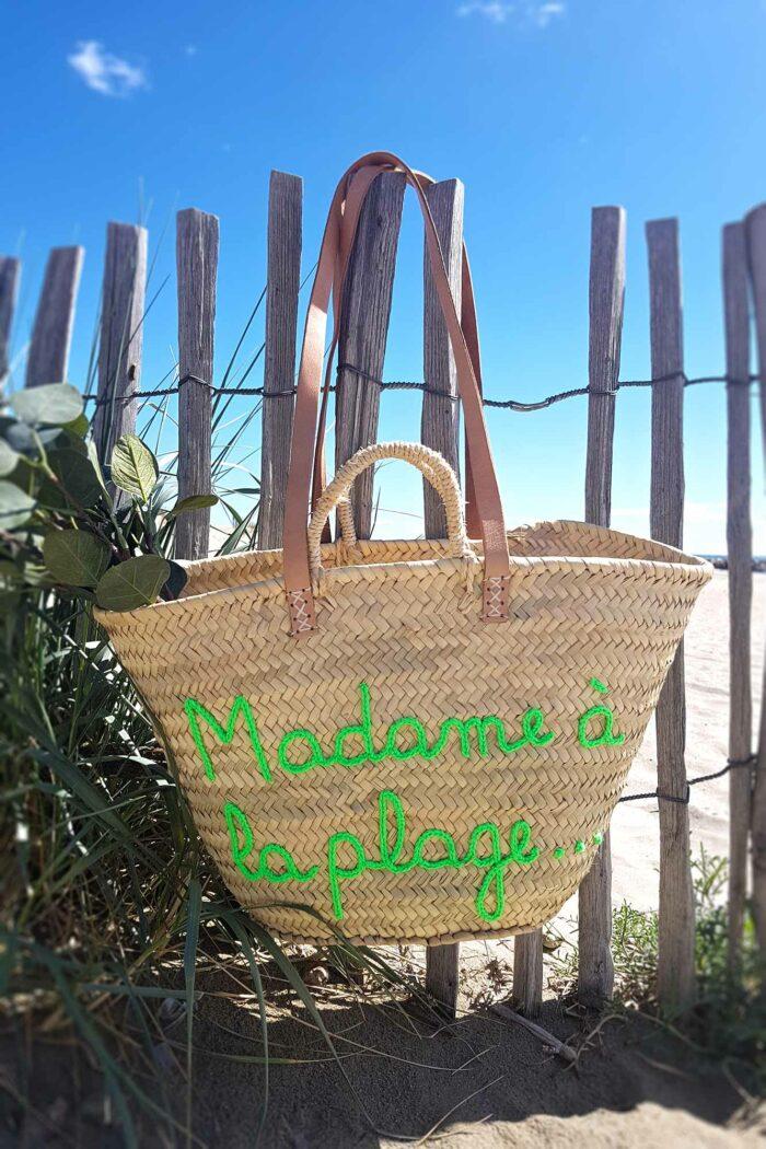 panier de plage madame à la plage avec motif en tricotin vert
